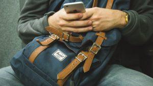 backpack 1149544 640 300x169 - Aplicaciones imprescindibles a la hora de viajar (Apps viajeras)