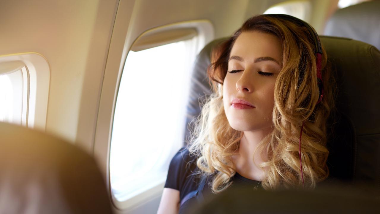8 Claves para conciliar el sueño durante tu vuelo