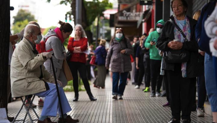 Marcha atrás con las multas y sanciones a adultos mayores de 70 años en la Ciudad