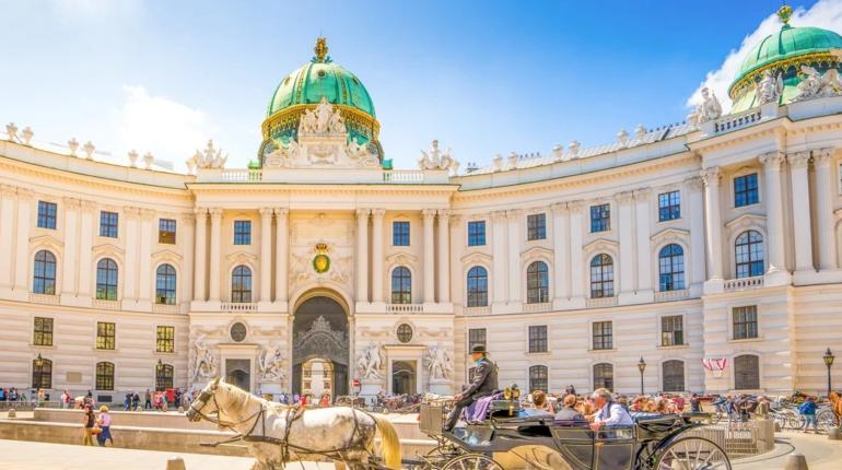 Budapest vs Viena